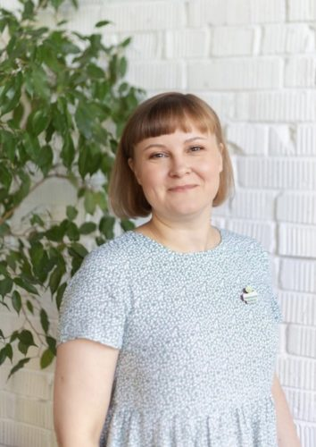 Анна Зерова
